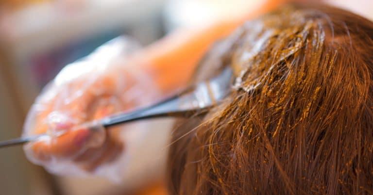 Jak przygotować włosy do farbowania henną?